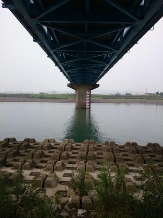 橋の裏側.jpg